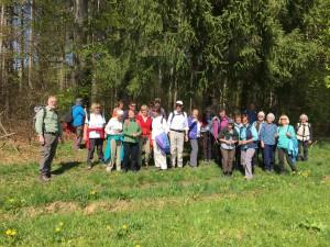 KSC - Wanderung am 20. April von Großdingharting über Beigarten- zum Deininger- Weiher mit 26 Teilnehmern
